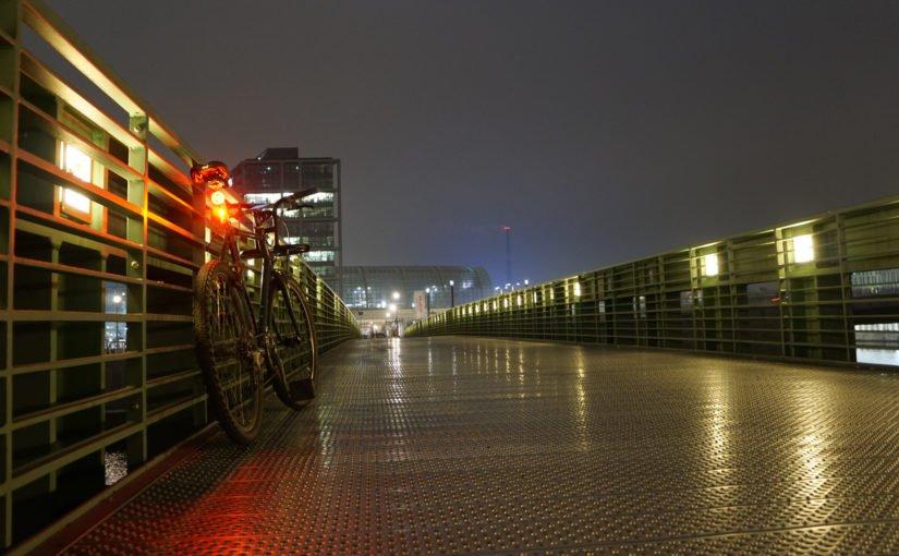 An einem kalten Novemberabend durch die Stadt